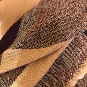 Accessories - Warm checkered blanket scarf-LIGHTLY WORN